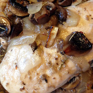 Chicken Breasts with Portobello Mushrooms in White Wine.