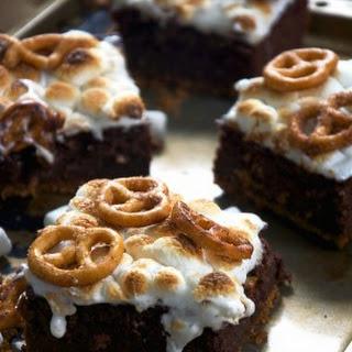 Toasted Marshmallow Brownies with Cinnamon Sugar Pretzel Crust