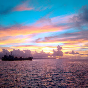 Beautiful Sunrise by Krizzel Almazora - Instagram & Mobile Android ( nature, albay, sea, sunrise, beauty,  )