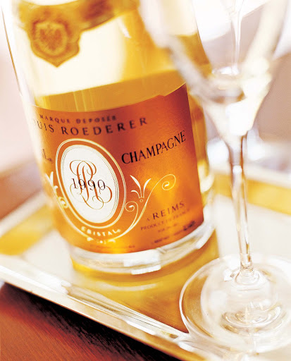 Culinary-Experiences-Champagne - Try a glass of champagne to set the mood during you Crystal cruise.