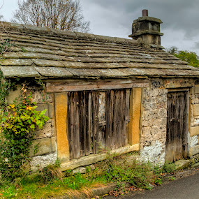 abandoned old timer by Ray Heath - Buildings & Architecture Decaying & Abandoned ( alport, cottage, derelict, heritage, derbyshire,  )