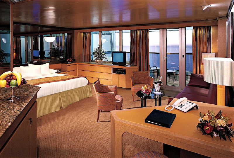 Neptune Suites, aka Deluxe Verandah Suites, aboard Holland America's ms Rotterdam and Amsterdam, runs a comfy 571 to 653 square feet, including a private veranda, 2 lower beds convertible to a king, whirlpool bath and shower