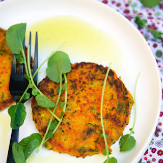 Vegetables galettes with millet and tarragon.