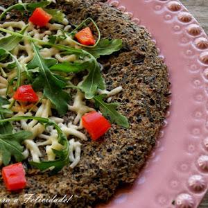Wild Rice Pizza with Arugula and Mozzarella Cheese