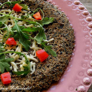 Wild Rice Pizza with Arugula and Mozzarella Cheese