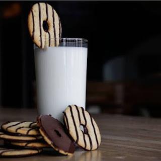 Homemade Keebler Fudge Stripe Cookies