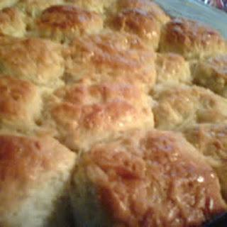 Pani Popo (Hawaiian Coconut Bread).