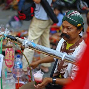 Selendang Mayang Ice by Wawan Adi - People Street & Candids