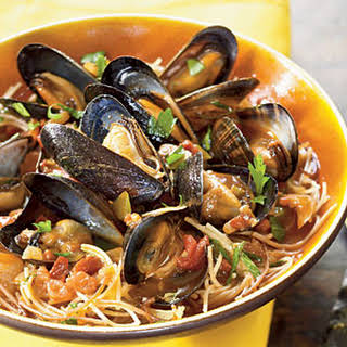 Fideos with Chorizo and Mussels.