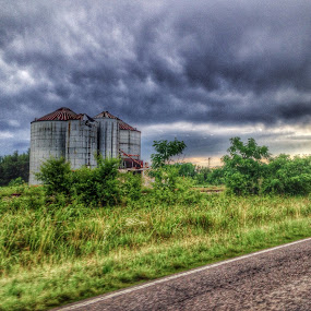 Old Silo by Trey Martin - Buildings & Architecture Other Exteriors ( clouds, skyline, old, sky, hdr, silo, south carolina )