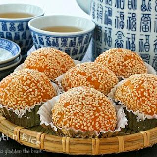Jian Dui (Deep Fried Glutinous Rice Balls/Sesame Seed Balls).