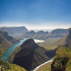 Drakensbergen by Wahan Shahbazian - Landscapes Mountains & Hills ( mountains, south africa, view, drakensbergen, river )