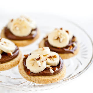 Shortbread Cookies with Nutella, Bananas and Almonds.