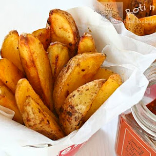 Baked Spicy Garlic Potato Wedges.