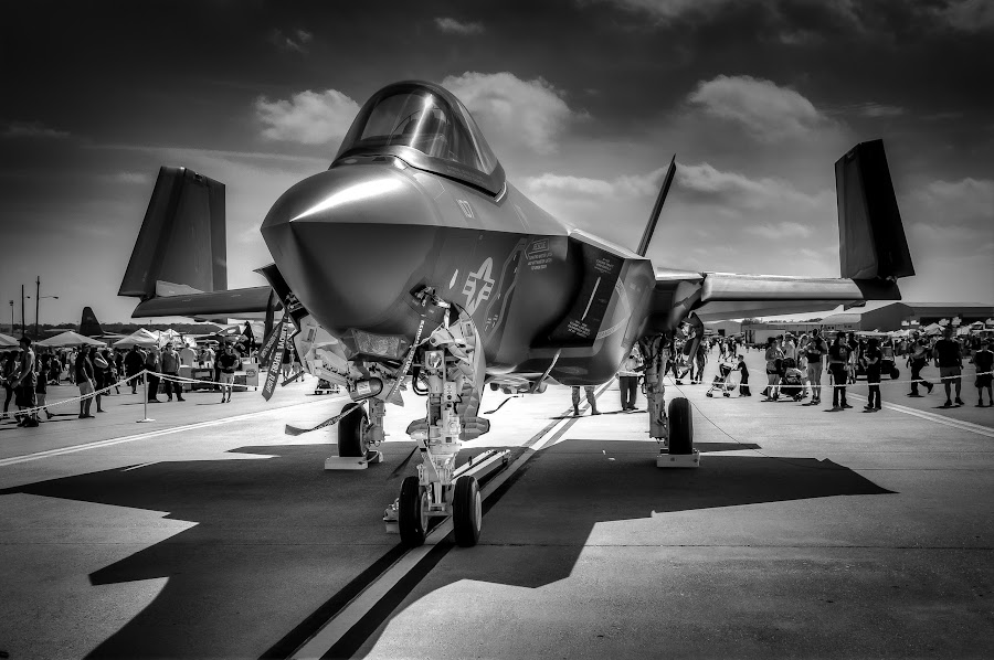 F35 by Ron Meyers - Black & White Objects & Still Life