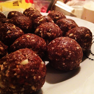 Share it Sunday – Raw Ferrero Rocher balls.
