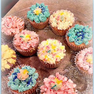 Easter Flower Nutella Cream Cheese Cupcakes #Recipe