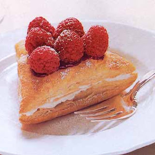 Berry Puffs with Orange Muscat Cream