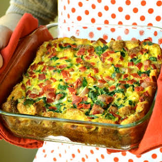 Clean Eating Spinach and Bell Pepper Breakfast Casserole.