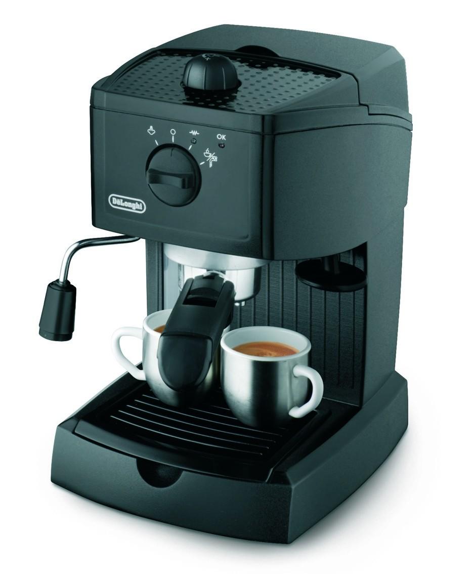 La cafetera cumple con su cometido y hace buen café. El café tiene que estar bien molido y comprimirlo bien para que salga bien denso.