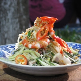Green Papaya Salad With Prawn And Pork