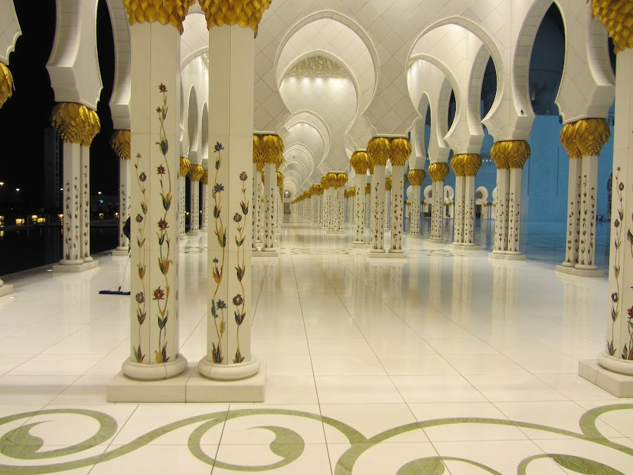 Sheikh Zayed Mosque, Abu Dhabi by Arish Zishan - Buildings & Architecture Places of Worship