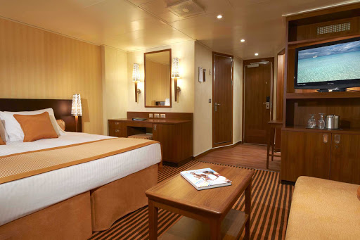 Carnival-Breeze-Ocean-Suite - The Ocean Suite aboard Carnival Breeze gives you a large, luxurious space all your own while you sail the oceans blue.