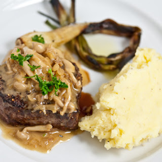 Steak with Mushroom Sauce (Steak Aux Champignons).
