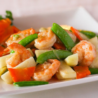 Fresh Pear and Shrimp Stir Fry