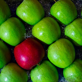 Bio Diversità by Stefano Sivera - Food & Drink Fruits & Vegetables ( red, colors, texture, green, apple )