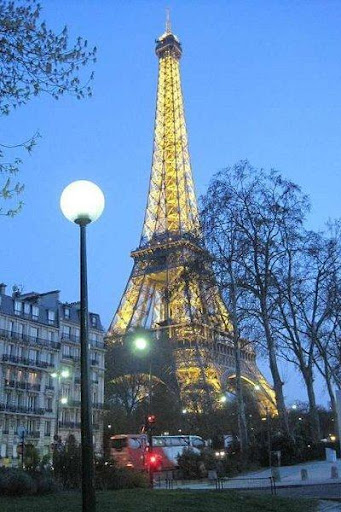 EIFFEL TOWER NIGHT HD