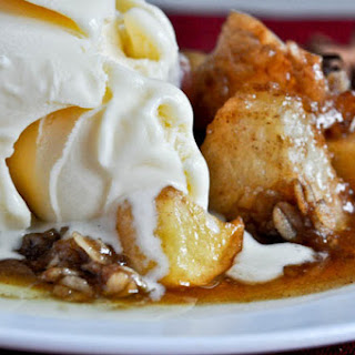 Crockpot Caramel Apple Crumble.