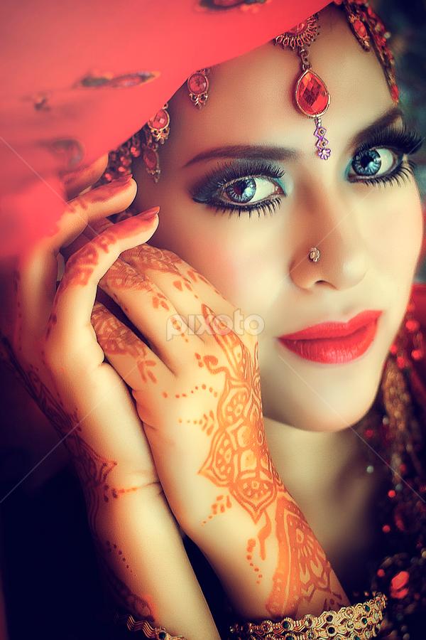 Beauty Hindi by Adiet Atmaja - People Fashion (  )