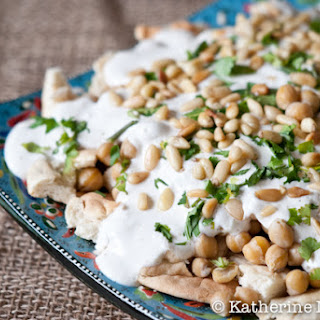 Fatteh (Pita with Chickpeas and Yogurt)
