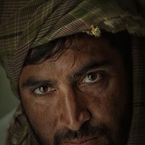 Shamir by Leyon Albeza - People Portraits of Men