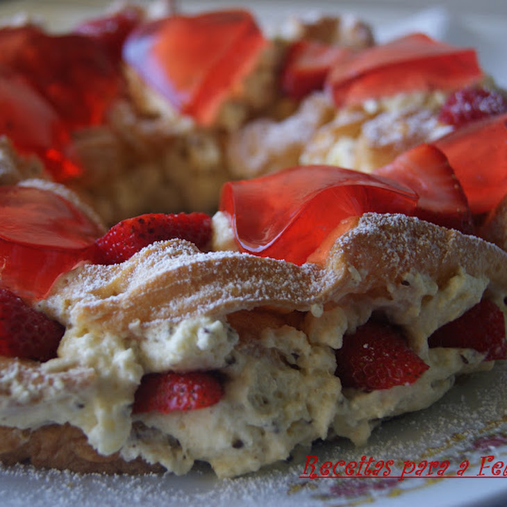 Choux Pastry Crown Stuffed with White Chocolate Mousse and Topped with Strawberry Gelatin