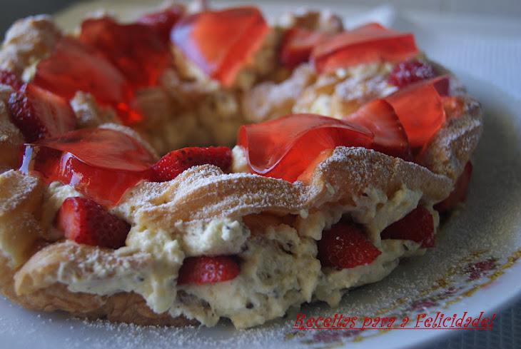 Choux Pastry Crown Stuffed with White Chocolate Mousse and Topped with Strawberry Gelatin Recipe
