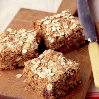 Oatmeal Bars with Dates and Walnuts.