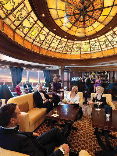 Cunard-Grills-Lounge - Relax and unwind with a drink and good conversation at Grills Lounge aboard Queen Victoria.