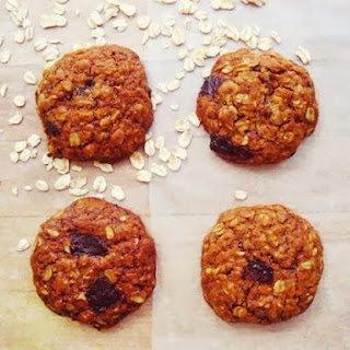 The Perfect Vegan Oatmeal Chocolate Chip Cookies.