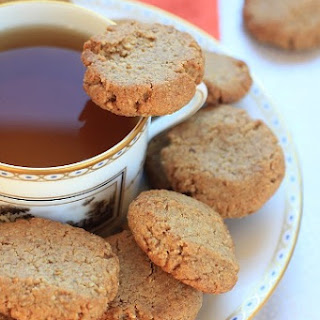 Lemony Walnut-Cinnamon Cookies