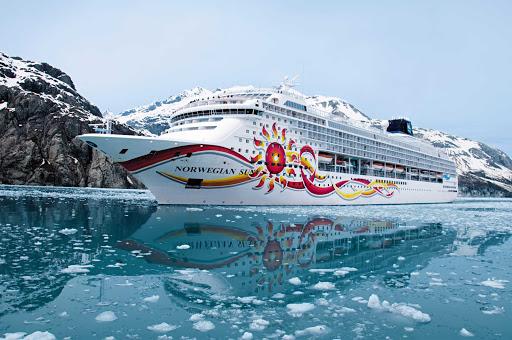 Norwegian-Sun-Alaska-Hubbard-Glacier-2 - Norwegian Sun cruises along beautiful Hubbard Glacier in Alaska.