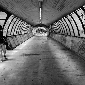 Tunnel by Ricardo Rocha - Black & White Street & Candid ( urban, street, candid, public, paisagem, urbano, lisboa, urbana, campo grande, city,  )