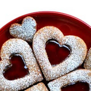 Valentine Linzer Cookies.