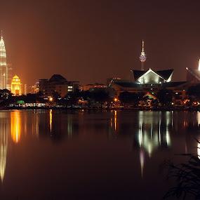 Malam by aRie Fitri - City,  Street & Park  Night ( tasik, klcc, titiwangsa, lampu, malam, , city, night )