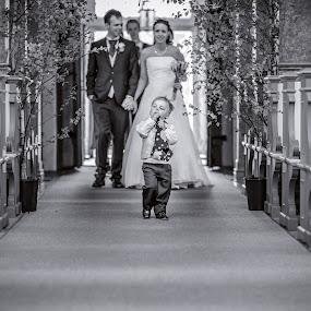 | Kid | by Photo Jovan - Wedding Other ( benches, church, wedding, bride, groom, kid,  )