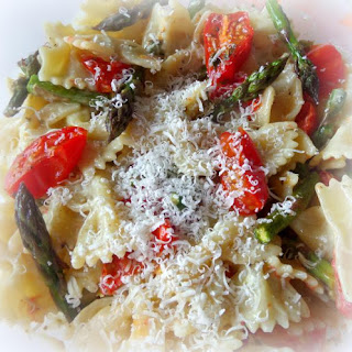 Pasta Salad with Roasted Tomatoes and Asparagus