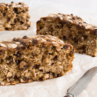 The Most Delicious Banana Oatmeal Chocolate Chip Breakfast Bars