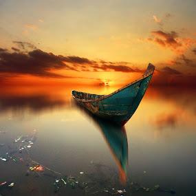 alon-alon le nyalip by Indra Prihantoro - Digital Art Things ( sunset, boats, transportation, boat )