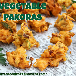 Vegetable Pakoras (Vegetable Fritters).